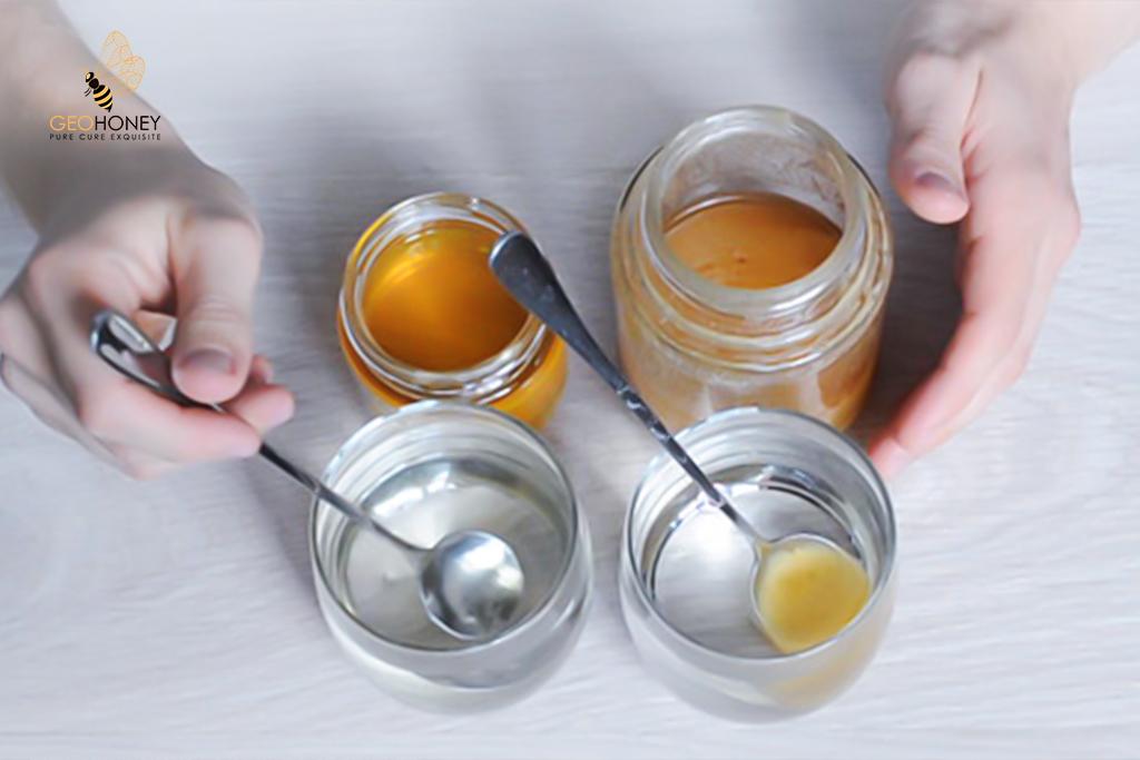 دليل شراء العسل الخام - طرق مثمرة لاختيار الطريقة الحقيقية